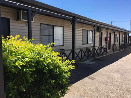Accommodation in Collinsville with Dining and Bottle Shop